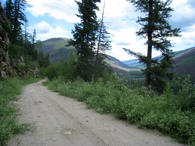 19     seldom used road through momich lakes provincial